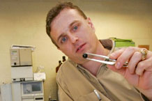 Professeur Stephen Talcott étudit les baies d'açaï
