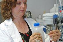 Docteur Susanne Talcott étudit les baies d'açaï